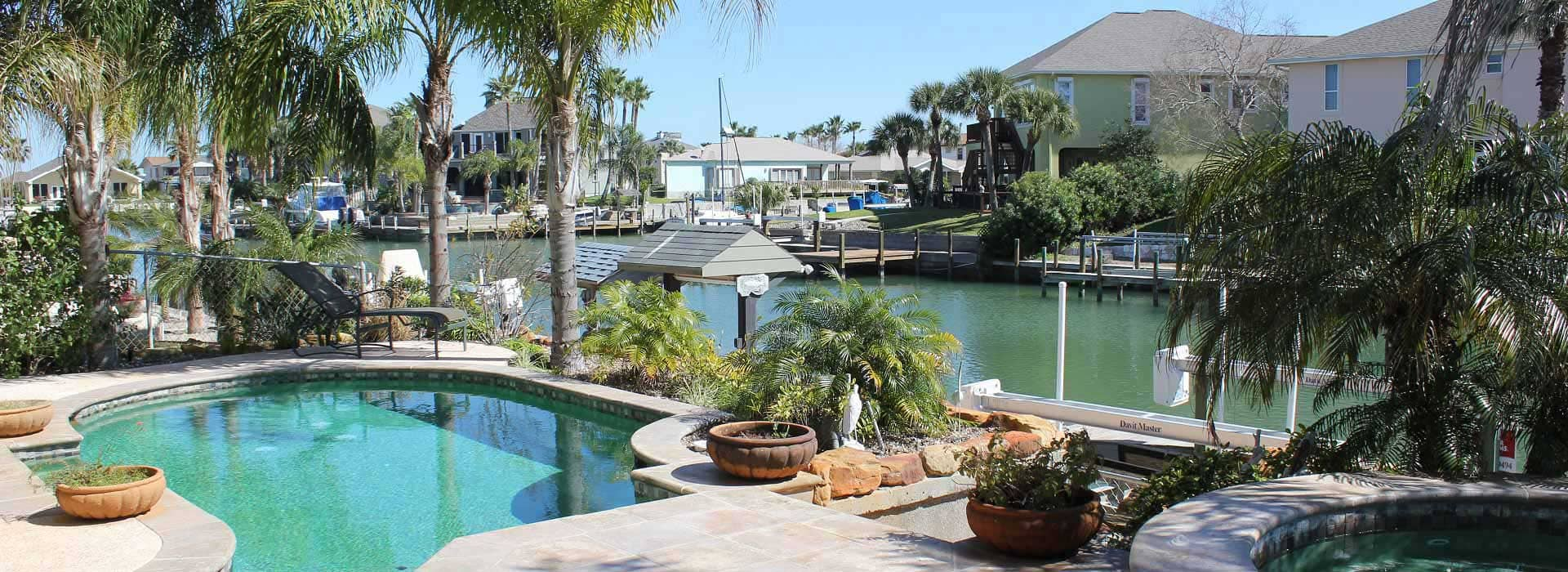 Rockport vacation rentals port aransas condos rentals for Fishing cabins for rent in texas